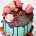 Macaron & Meringues Drip Cake